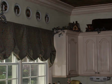 cabinet refinishing, wall finish, crown moulding